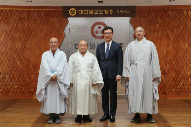 주스리랑카 대한민국 대사관 예방_기념촬영2.JPG